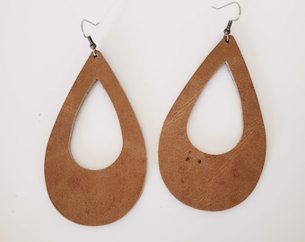 Rustic Brown Leather Teardrop Earrings / Cutout Earrings / Statement Earrings / Classic Style / Lightweight & Comfortable / Bold / Large
