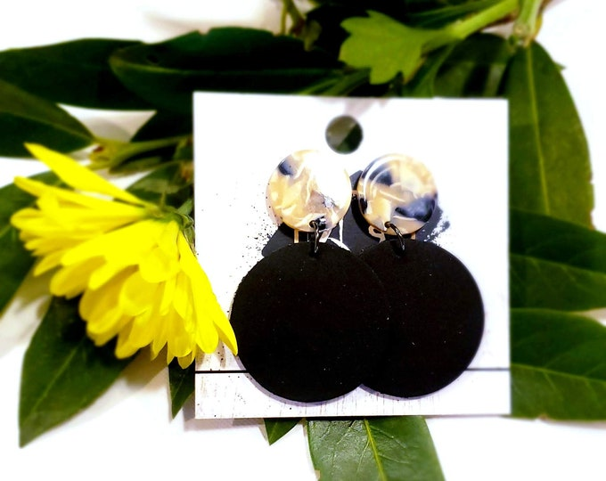 Acrylic & Leather Disc Earrings / Black Pearl / Black Earrings / Leather Earrings / Acrylic Earrings / Retro Earrings / Statement Earrings