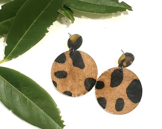 Acrylic & Leather Disc Earrings / Tortoise shell / Cheetah Print / Leather Earrings / Acrylic Earrings / Retro Earrings / Statement Earrings