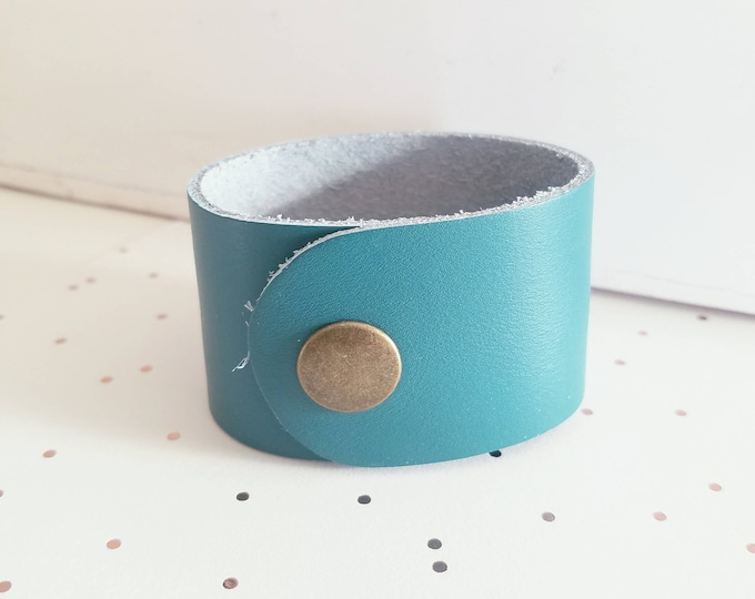 "Turquoise Leather Cuff Bracelet / FREE SHIPPING /  Style/ Fixer Upper / / Ant. Brass Snap Closure/ 1.5""x 9"""