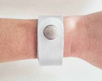 """Silver Metallic / Leather Cuff Bracelet / FREE SHIPPING /  / Fixer Upper /  / Snap Closure / 1""""x 9""""/ Adjustable"""