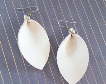"""Natural White Leather Earrings// FREE SHIPPING//    Inspired//Leaf Shape// Med// 2.5""""x1.25""""//Hypo-Allergenic"""