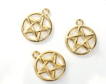 10 Gold Plated Pentagram Star Charms  20 x 17mm (B543A)