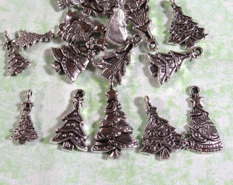 20 Antique Silver Assorted of Christmas Tree Charms (B330d)