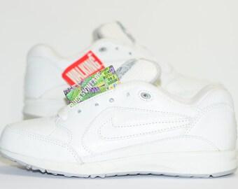 0ded6206aff3 Nike Air Walking Shoes Vintage 90s Womens Original Size 6 RARE OG 90 1 95  97 93