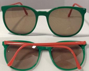 4d5d659d779c Polo by Ralph Lauren Eyewear Classic Retro 1980s Plastic Green   Orange Sunglasses  VIntage Glasses 55mm