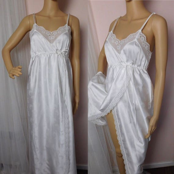 ba45bbd2025 White Lace Wrap NightGown Petite Small   Givenchy Intimate