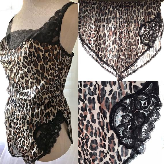 c4ba874150a7 70s Leopardess Vintage Vanity Fair Leopard Cheetah Animal   Etsy