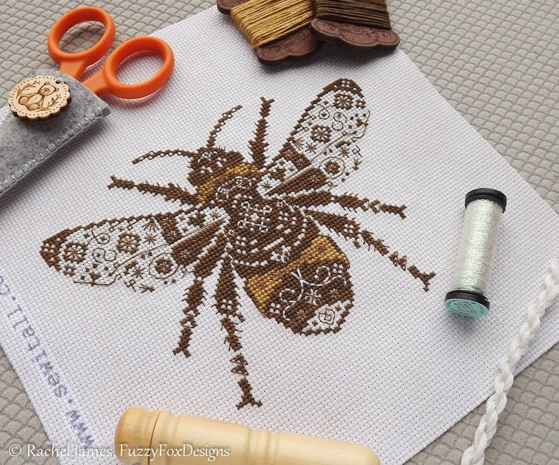 Variegated Bumble Bee Cross Stitch Pattern PDF  Chart for image 0