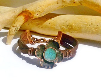 Good luck jewelry Girls leather bracelet Clover bracelet Romantic flower gift Copper patina jewelry Metalwork bracelet Jewelry flower to her