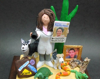 Female Veterinarian Figurine, Veterinary Graduation Gift, Personalized Veterinarian Statue, Gift  for a Veterinary,  Veterinarian's Present