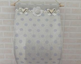Toilet roll door in fabric (handmade, beige with blue polka dots)