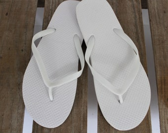 16139e8f9d79 10 Mixed Size White Wedding Flip Flops perfect for Spa days
