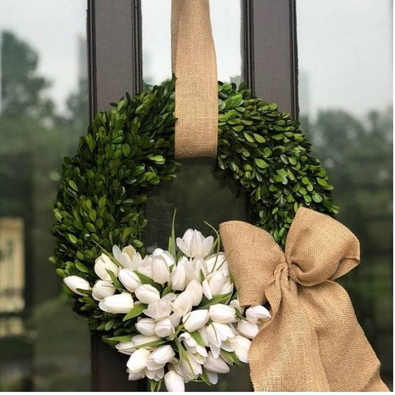 Boxwood wreathSpring wreath silk tulip wreath  Easter image 0