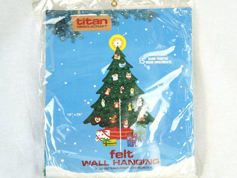 775 Christmas Felt Wall Hanging Kit 15 X 24 1980S Vintage Titan Needlecraft No