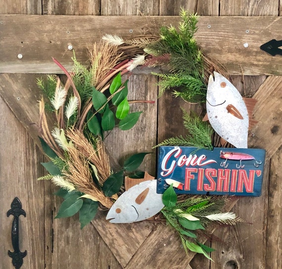 GONE FISHING Wreath, fishing wreath, fishing decor, man cave decor, lakehouse wreath, guy gift, fish sign