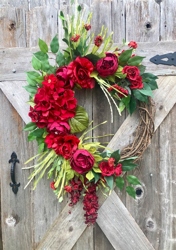 Custom RED FLOWER GRAPEVINE Wreath, Summer wreath, Valentine's wreath