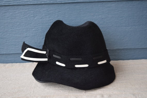 Vintage 1940s Lilly Dache Debs Black Felt Hat, Whi