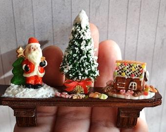 Dollhouse Miniature Christmas, Miniature regiment With tree, Santa, gingerbread house, scale one inch, miniature, Dollhouse Christmas