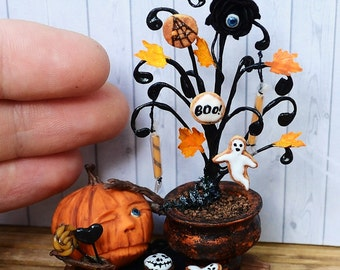 Dollhouse miniature Halloween, Halloween Pumpkin, miniature Pumpkin, miniature Halloween,scale one inch, 1:12,scale miniature, single copy