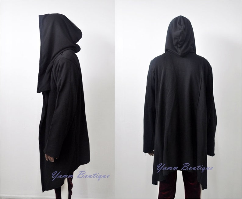 579d2c1f67916f Assassin s Creed Men s Oversized Hood Cardigan Long
