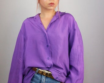 9be8a1cb67fb71 Vintage 80 s Silky Button-up Shirt   Blouse in Army Green