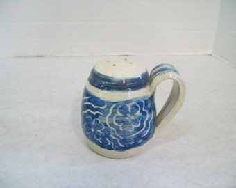 Beautiful Hand-Thrown Pottery Stoneware Salt Shaker Signed By Artist P123 C3 Free Shipping