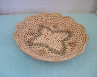 11.5\  Diameter Woven Rafia Pie Plate Holder Bread Bowl Free Shipping G1 & Pie holder | Etsy
