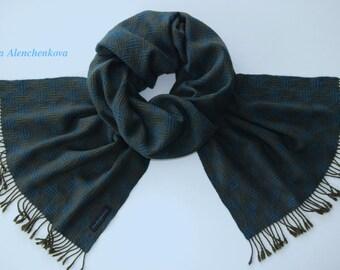 5ea20cda01b0 Foulard en soie vert coeurs, écharpe tissée à la main, Echarpe, foulard en  soie Cachemire