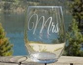 Mrs Wine Glass - Christma...