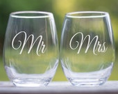 Mr and Mrs Glasses, Wedding gift for Couple, Anniversary Gift, His and Her Gift