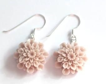 Earrings, dusky pink dahlia