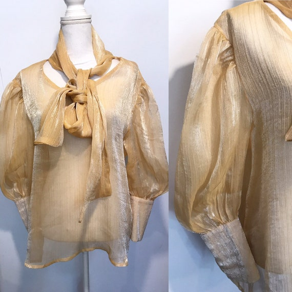Vintage. 1970 bow tie shirt