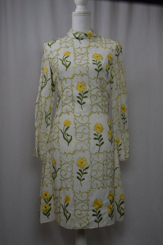1960 embroidered dress \ 1960 vintage embroidered