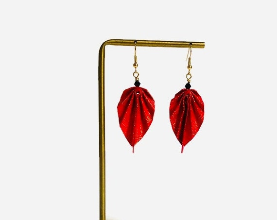 Red and golden paper leaves earrings fan patterns