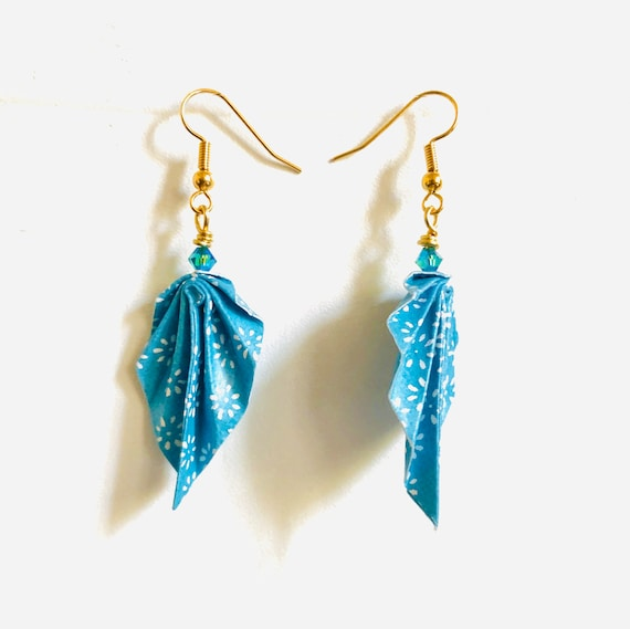 Origami leaves earrings light blue and white small flowers