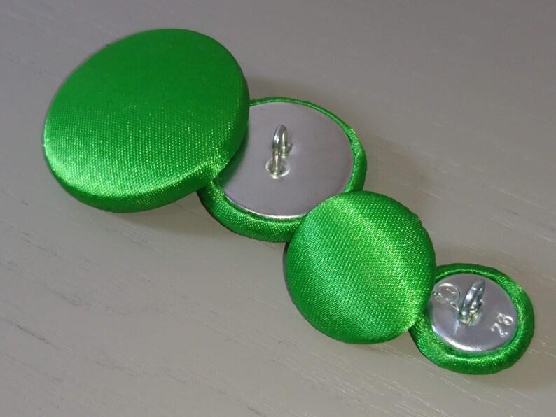 Light Green Velvet Fabric Buttons 31mm 25mm 20mm Medium /& Large