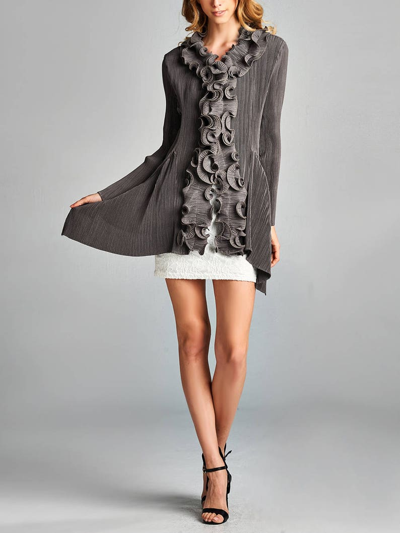 Pleated Grey Ruffle Collar Front-Hooked Cardigan 10280