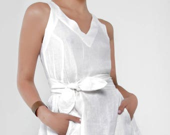 100% LINEN V-NECK DRESS With Pockets and Zipper on the back style 8314