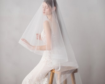 Horsehair Fingertip Veil 45 Inch Edge Veil Horse Hair Light Ivory Beautiful Tulle Netting Veil With Comb Circle Veil With Blusher