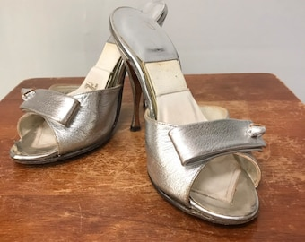 07a1c86c29c Vintage 1950s Silver Foil Leather Spring-O-Lators high Heels Mules Sandals Peep  toe for a Pin-Up girl size 5 shoes