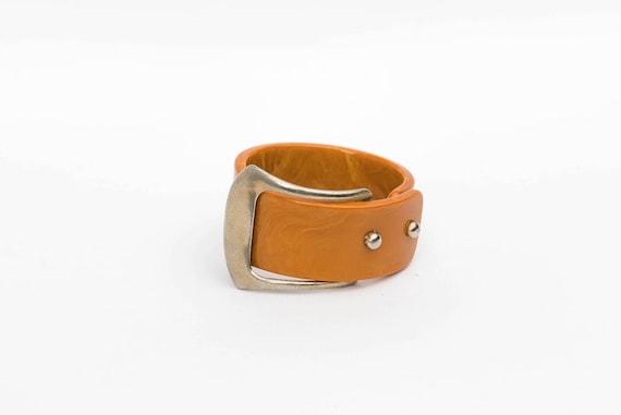 f2af02a85f35 Insolite caramel large boucle de ceinture en bakélite clamp   Etsy
