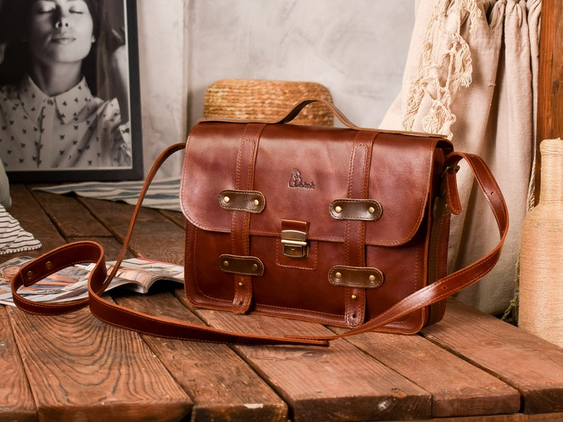 Leather briefcase menMessenger bag womenMonogram crossbody purse3 colorsPERSONALIZEDPull-up leather