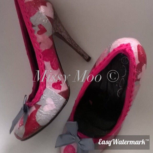 Valentines, love, be mine, unusual, wedding, bride, hen decoupage, customised shoes, glitter, hen bride, party, funky, ribbons 780bae