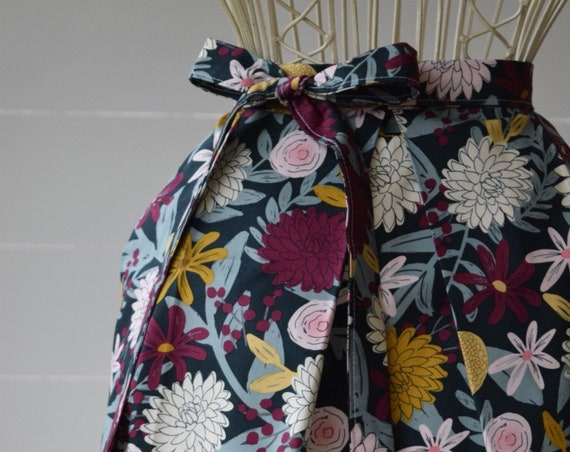 Handmade Half Apron, Kitchen Apron, Garden Apron, Cotton, Pleated, autumn