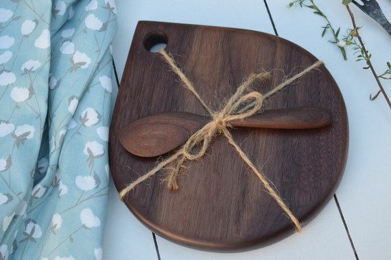 Gift Set | MADE TO ORDER Tear Drop cutting board and Spreader combo