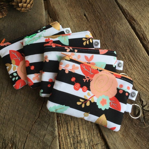 Change Purse | black and white floral, Zipper Pouch, Credit Card Holder, Cotton,