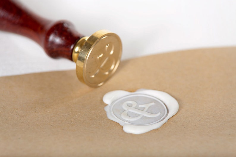Sealing Stamp /& 30 mm diameter brass plate with handle screwed