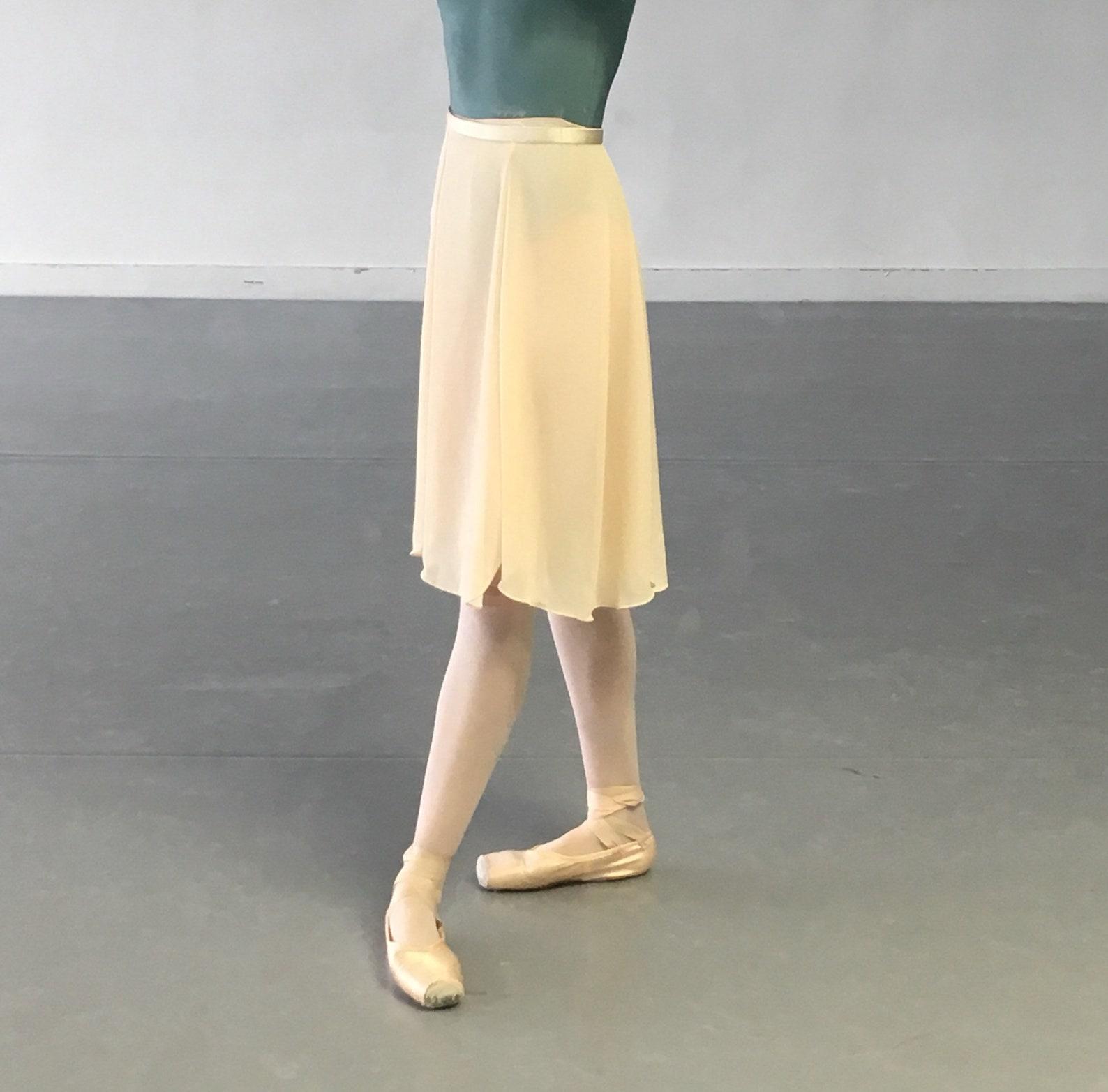 toi toi toi ballet skirt! rehearsal, class, performance. custard. aubrey style.