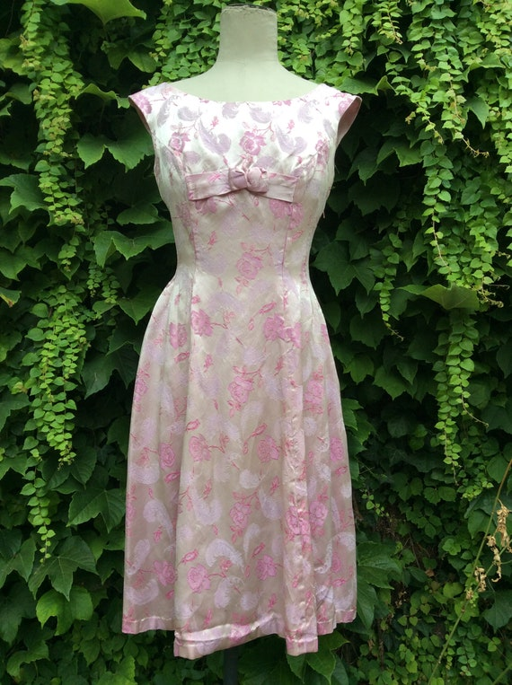 1950s lilac cocktail frock